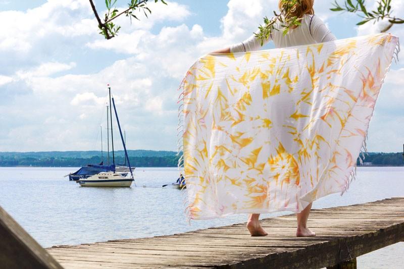 Парео дляпляжа: красим ткань своими руками