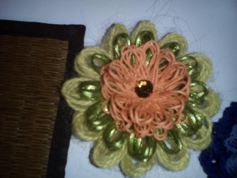 Вязаный цветок Loom безспиц икрючка!