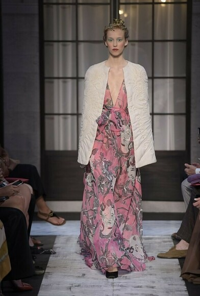 Неделя высокой моды вПариже: показ Schiaparelli