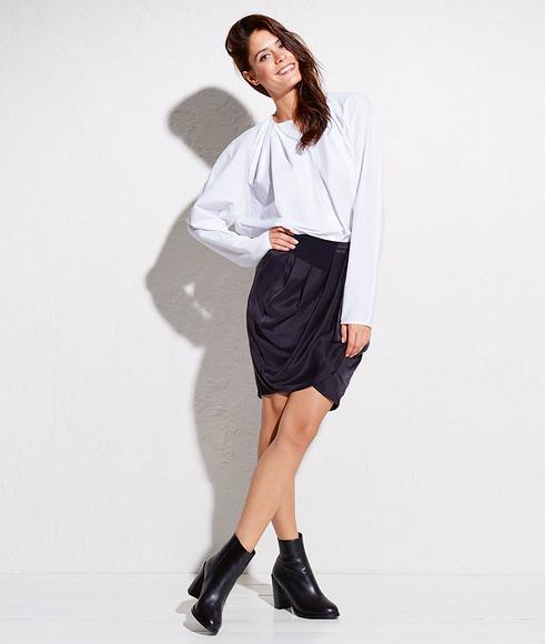 Как сшить юбку соскладками иэффектом запаха