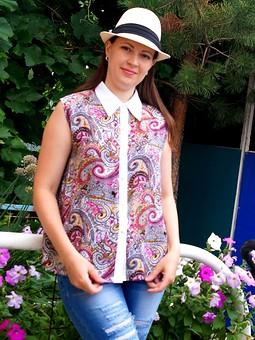Работа с названием Блуза с огурчиками)))
