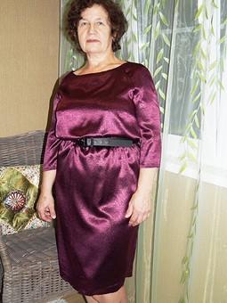 Работа с названием Опять платье для мамы :)