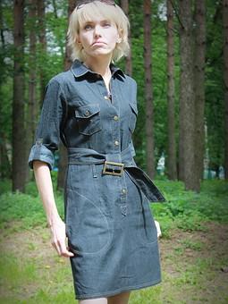 Работа с названием Джинсовое платье-рубашка