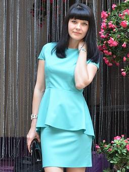 Работа с названием Блуза с баской и юбка