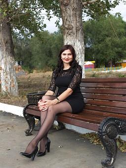 Работа с названием Little Black Dress