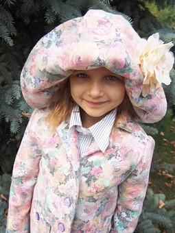 Работа с названием Пальто для юной леди)