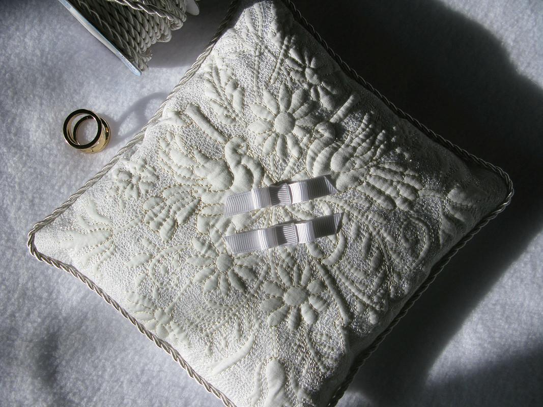 Свадебная подушка дляколец