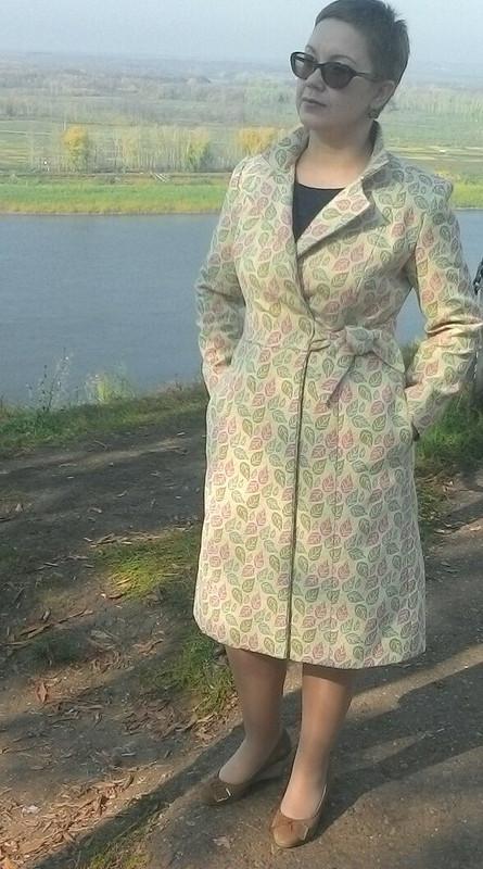 Листопад,листопад...Или пальто исбоку бантик