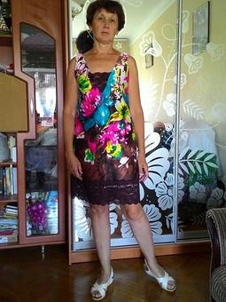 Работа с названием И платье превращается...