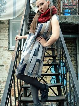 Работа с названием Платье из шелкового шифона
