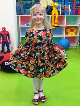 Работа с названием Цветочное платье