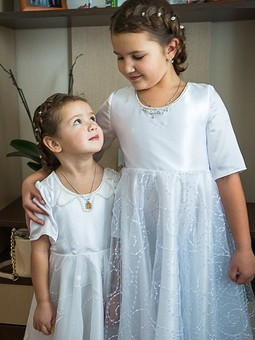 Работа с названием Маленькие невесты