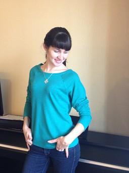 Работа с названием Изумрудный пуловер