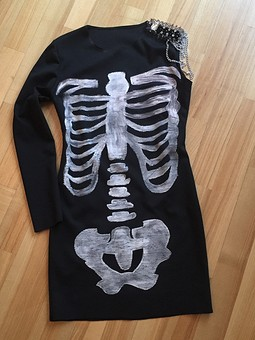 Работа с названием Платье на Хеллоуин
