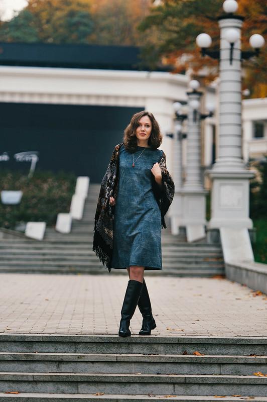 Платье изискусственной замши