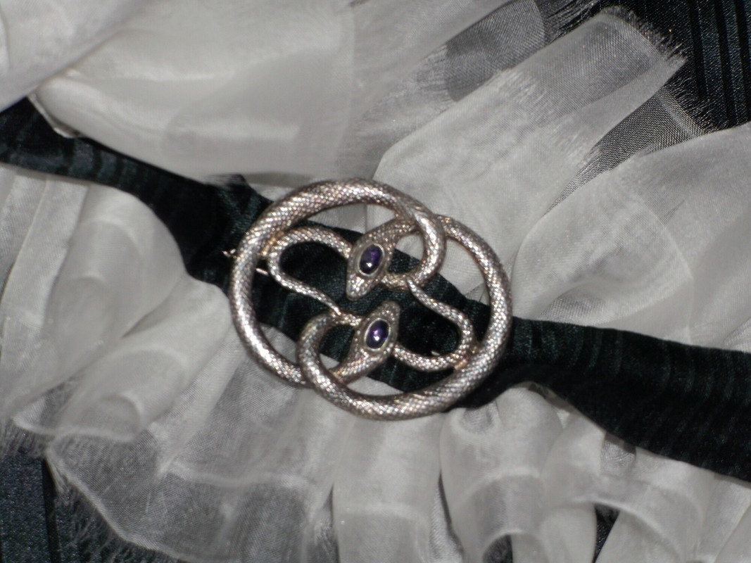 Chanel, Valentino икоролева Виктория