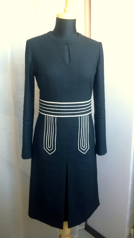Большое черное платье