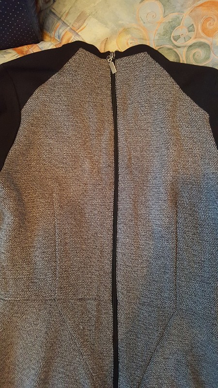 Платье изостатков ткани