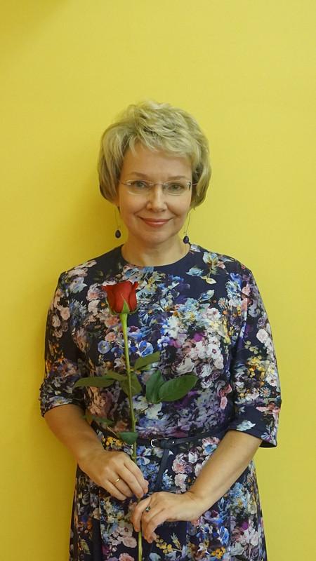 С Днём рождения, Лена! Женщина-цветок