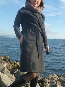 Работа с названием Длинный жилет или пальто без рукавов?