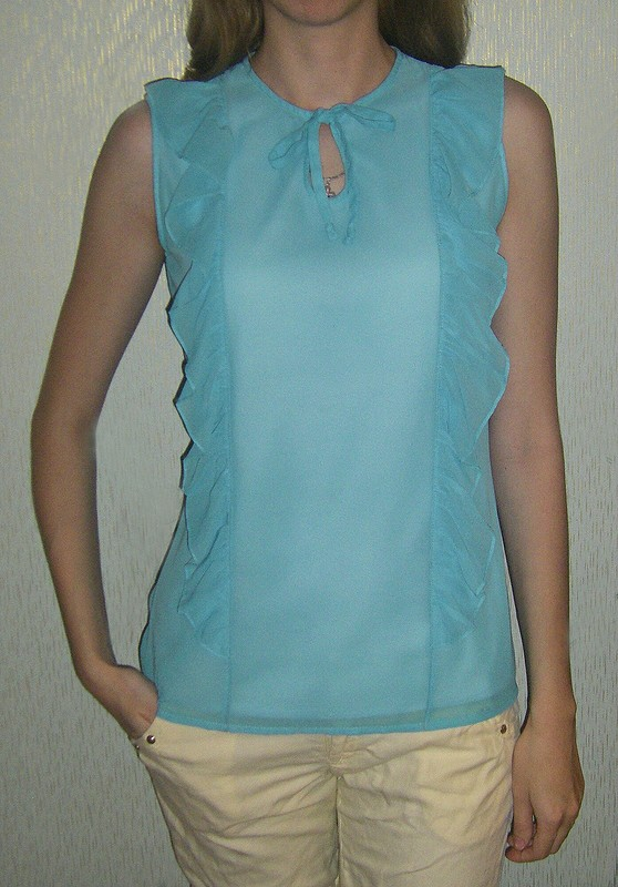 Блузка срюшами