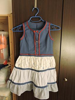 Работа с названием Платье на девочку из остатков