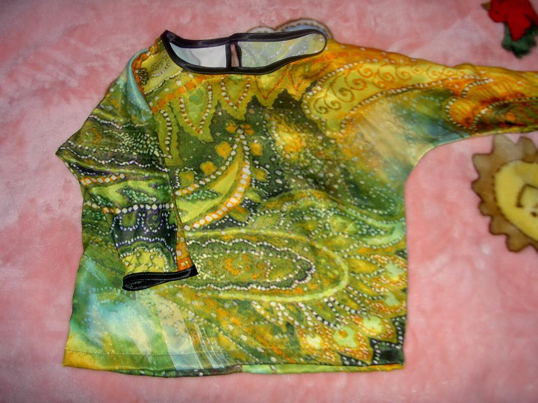 Блуза сцельнокроеными рукавами
