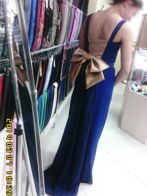 Платье стурнюром