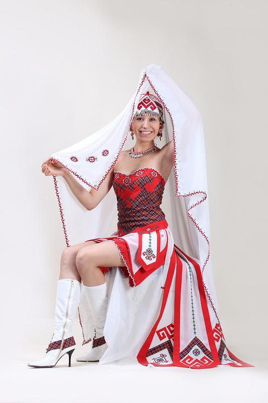 Национальный современный свадебный костюм