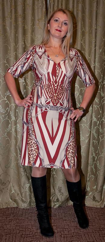 Платье свензелями