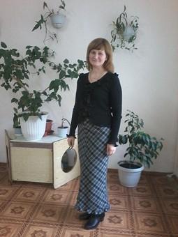 Работа с названием Длинная юбка с оборкой