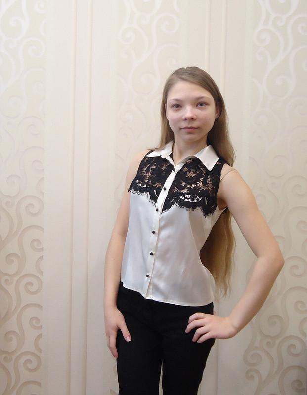 Школьные будни: кружевная блузка
