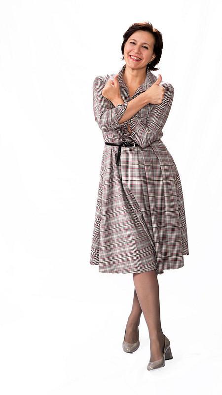 Клетчатое рубашечное платье