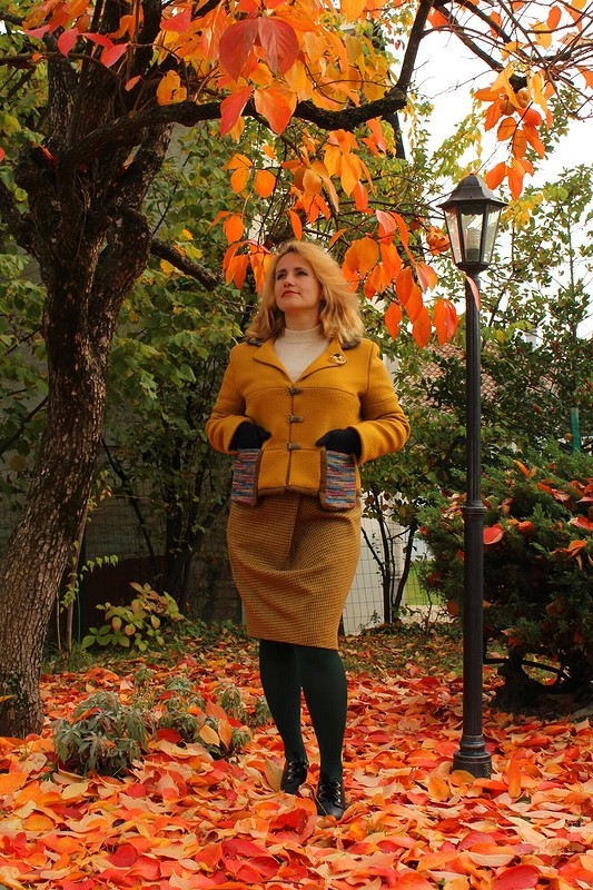 Горчица нахурмовых листьях