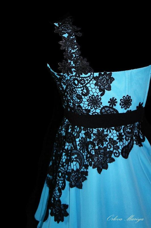 Платье скружевом