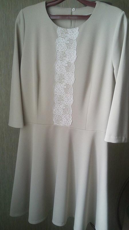 Нежное девичье платье