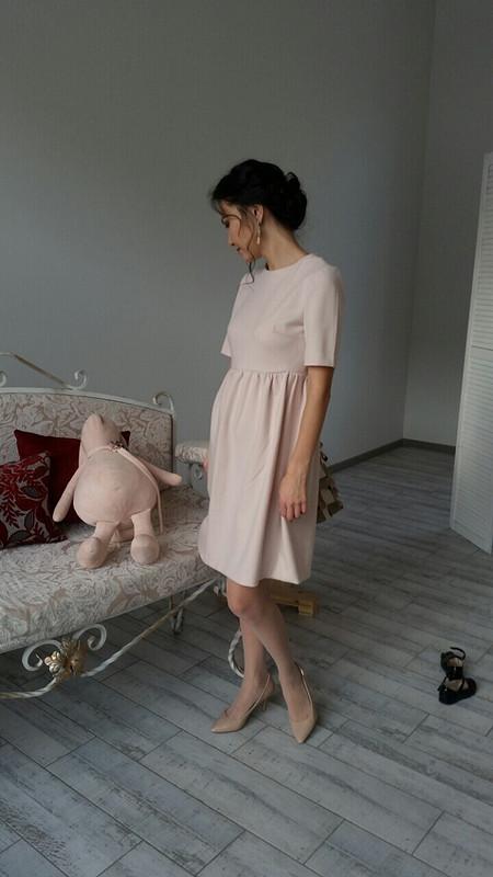 Теплое светлое платье
