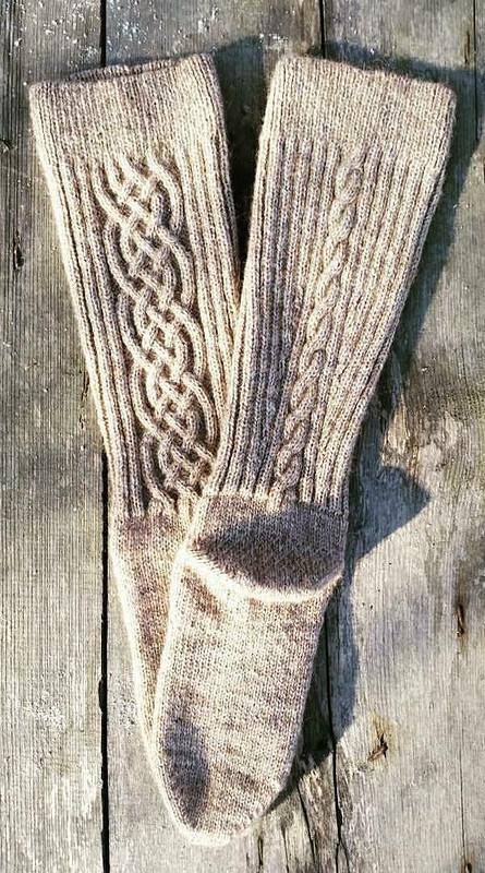 Гольфы скельтским орнаментом