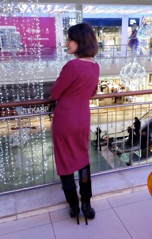 Малиновое платье сдрапировками от TataLata