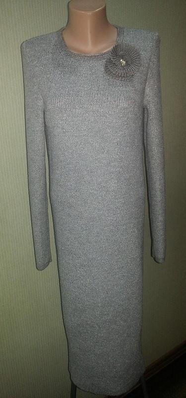 Вязаное платье-футляр