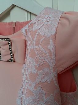Работа с названием Французское кружево, шёлковая подкладка, нежный персиковый