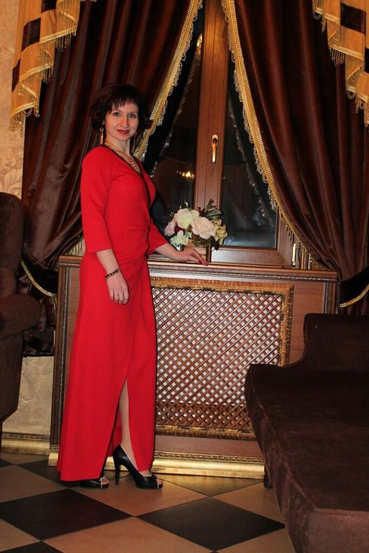 Первое длинное платье от AnnaSn