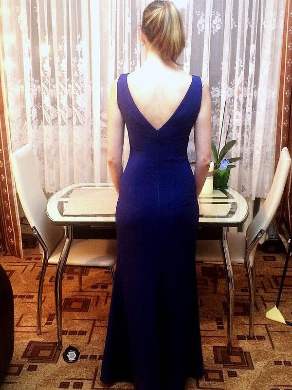 Вечернее платье срозами изшелка