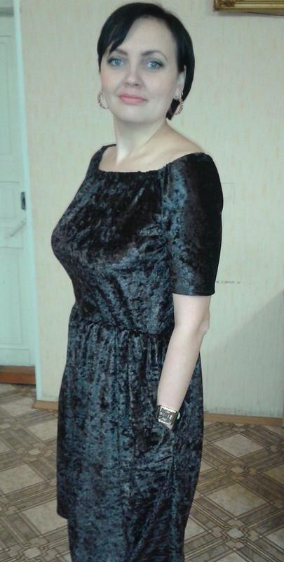 Платье избархата