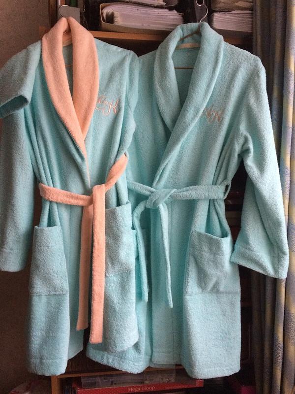 Новогодний подарок - халаты махровые
