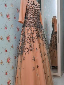 Работа с названием Бальное платье