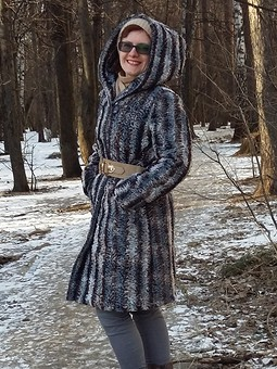 Работа с названием Пальто из искусственного меха