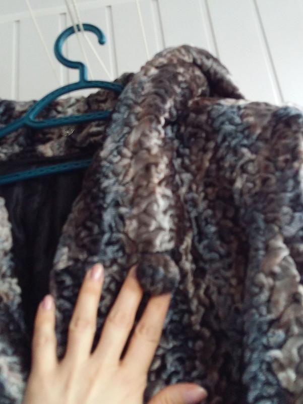 Пальто изискусственного меха от aLara