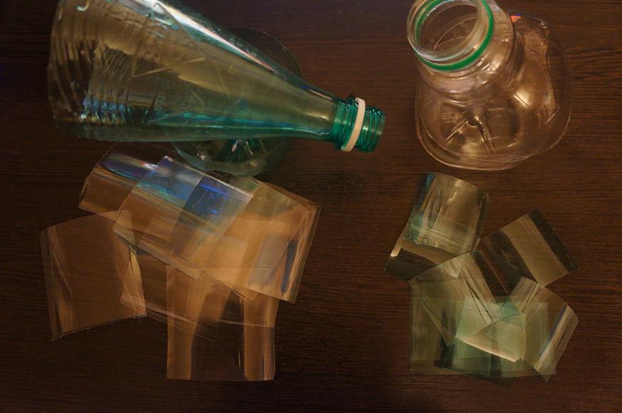 Колье изпластиковых бутылок