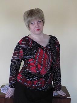 Работа с названием Спорная блуза